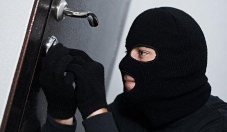 У Скадовську поліцейські затримали підозрюваного у крадіжках з будинку