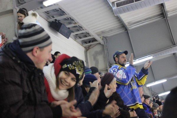Учащиеся школы-интерната впервые побывали на большом хоккее