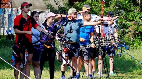 У Новій Каховці проходить відкритий турнір зі стрільби з луку