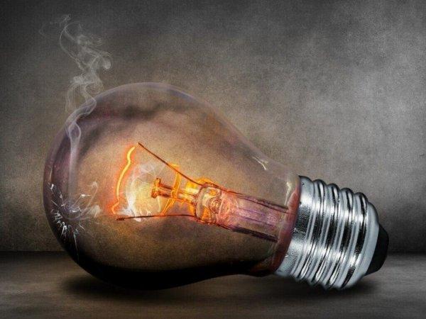 Автолюбитель одним махом лишил электричества три села на Херсонщине